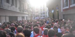 cropped-pamplona-waiting-in-streets-nasty.jpg